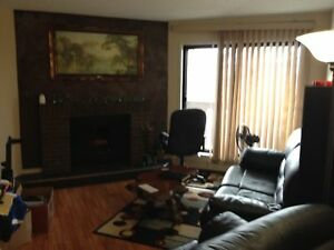 2 bed 1 bath condo, ST-ALBERT... $1100/month