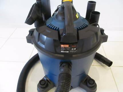 HARDLY USED RYOBI VC 45DB WET AND DRY INDUSTRIAL VACUUM CLEANET W