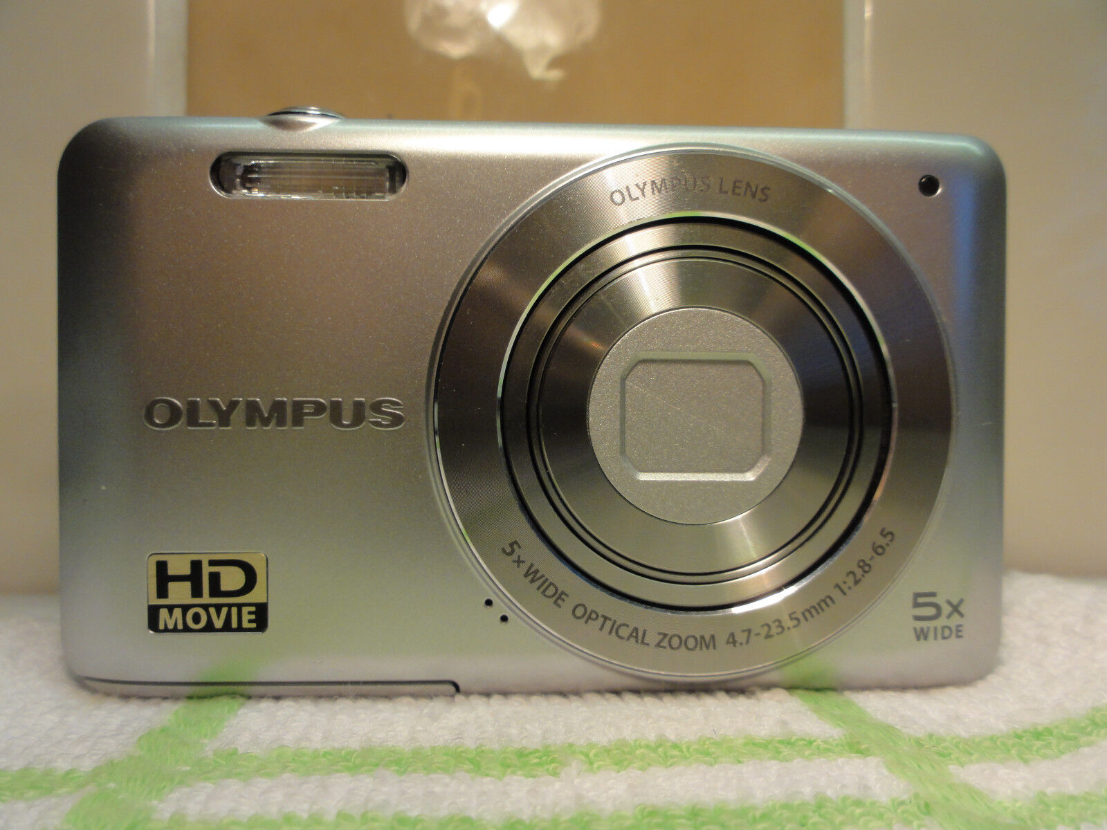 Olympus  VG-120 14.0MP Digital Camera + 16GB Memory and Accessories