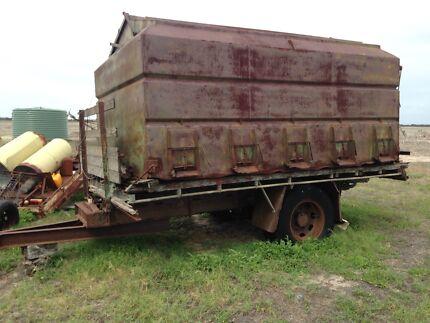Chamberlain,Tractors and farm equipment. Strathalbyn Alexandrina Area Preview
