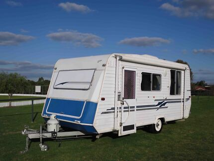 Roma Eclipse 16ft Caravan – ISLAND BED – LARGE LOUNGE – A/C Glendenning Blacktown Area Preview