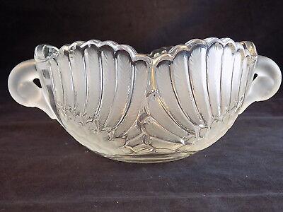 """Vntg CUT GLASS SWAN BOWL Double Handled Bird Motif Fruit Bowl 8"""" Across 4"""" Tall"""