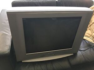 MUST GO TODAY!!! SANYO 24 inch flat screen tube TV