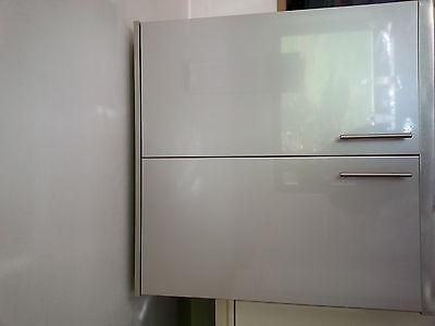 2 armoires meubles de cuisine avec portes et étagères laqué gris brillant