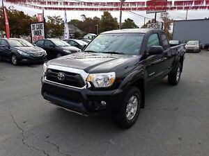 2014 Toyota Tacoma 4x4 TRD Off-Road Pack LOW KMs! ($123 weekl...
