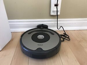 Like new IRobot 618 Roomba