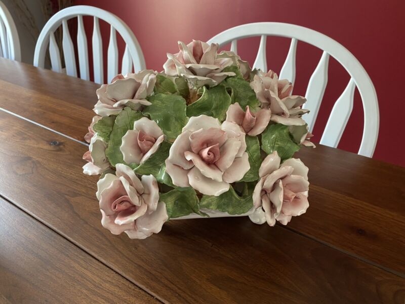 Capodimonte 18 Rose Center Piece Floral Porcelain Made In Italy