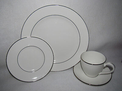 4 Piece Continental Place Setting (LENOX