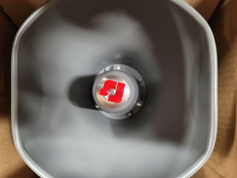 Federal Signal 300GC-120 SelecTone Amplified Siren Alarm Horn Speaker