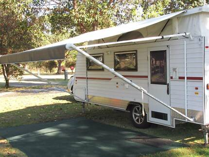 POP TOP CARAVAN WITH FOLDING DRAW BAR & RV AIR LIFTERS