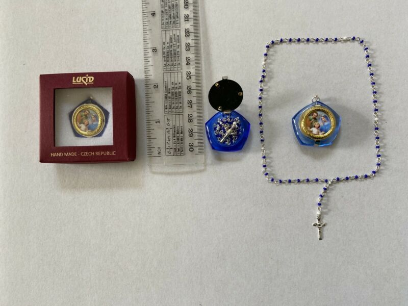Glass Locket with mini-rosary-picture of The Holy Family