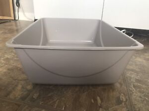 Brand New Never-used Litter Box