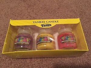 "Yankee Candle Set of 3 Small Jar Candles ""Marshmallow Chicks"""