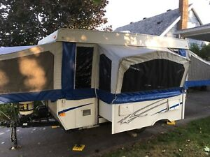 2006 Starcraft tent trailer with pull out