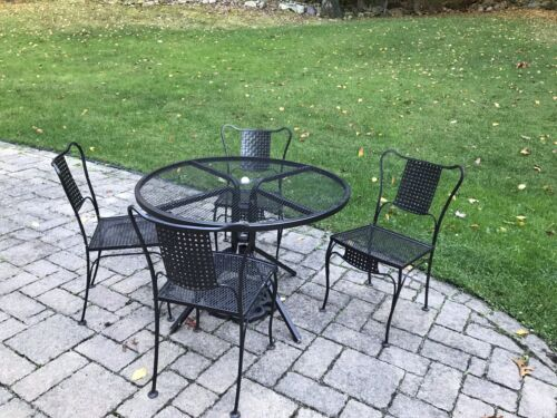 Garden Furniture - 4 Vintage Heavy Wrought Iron Chairs, Outdoor Patio Deck Garden Furniture.
