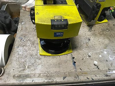 Sick Pls101-112 Scanner Laser With Bracket 30 Day Warranty Free Shipping