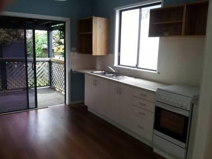 GREAT 3 BED PET FRIENDLY HOUSE IN HAMILTON/ISLINGTON LOCATION