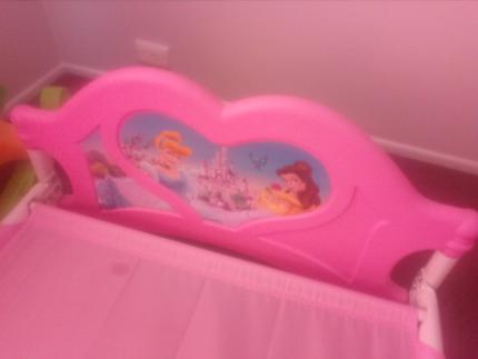 Princess toddler bed hot pink
