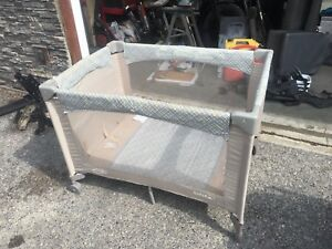 Pack and play- portable crib