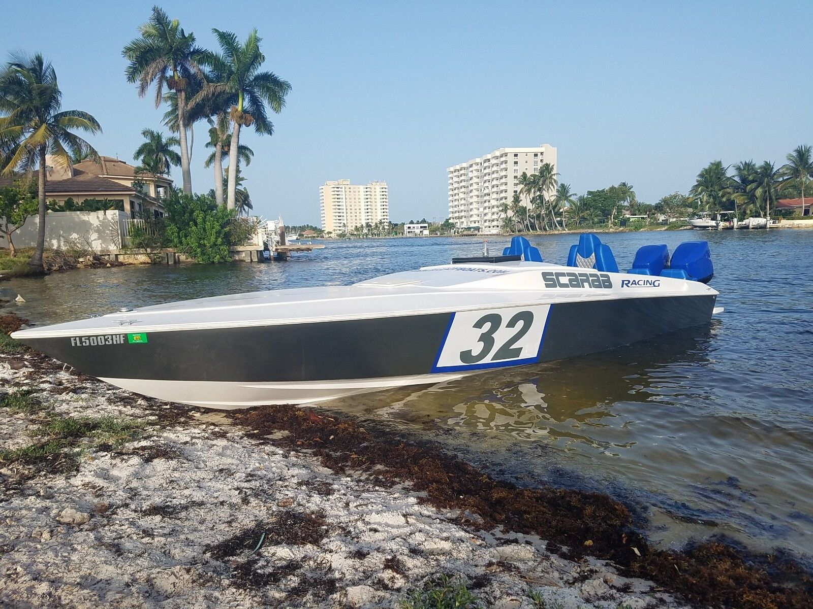 32 FOOT SCARAB FULLY RESTORED WITH 2 MERCURY 250 OUTBOARDS 65+MPH VERY CLEAN !!