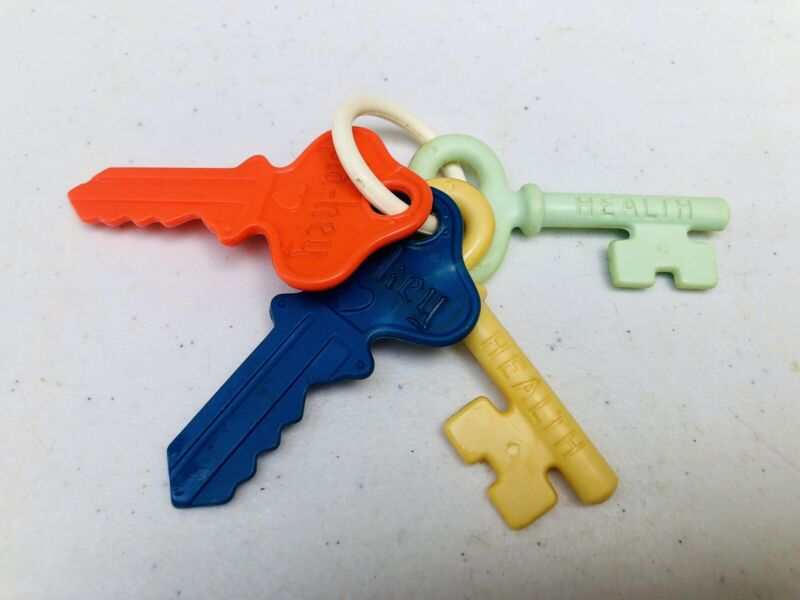 Vintage Pla-Key Infant Baby Plastic Toy Key Ring Teething Rattle 4 Total Nice!
