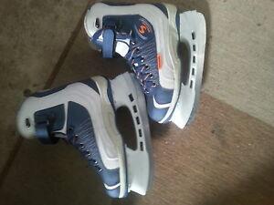 Women's skates size 8
