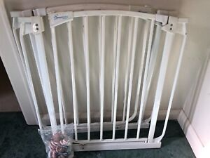 Dreambaby Baby Gate With Extension Safety Gates Gumtree