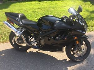 Awesome 2001 CBR 600 F4I up for grabs!!!