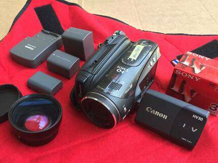 Canon VIXIA HV30 HDV High Definition Camcorder