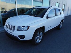 2014 Jeep Compass Sport/North   AWD ** MAGS ** FOGS