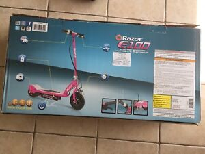 Electric scooter RazorE 100 - colour pink