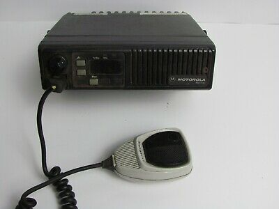 Motorola Maxtrac Low Band Vhf Radio 36-42 Mhz D51mja97a3ak With Microphone