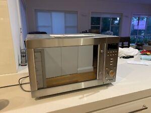 Microwave Oven Smeg - Broken