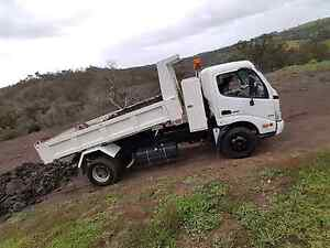 BEST RATES  DINGO AND TIPPER HIRE Craigieburn Hume Area Preview
