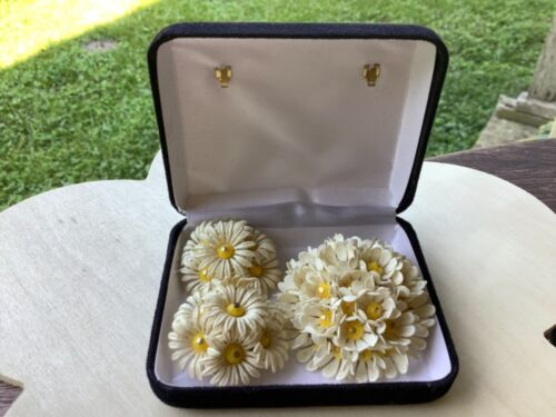 Vintage Celluloid Daisy Flower Power Brooch and Clip Earrings with Box Hong Kong