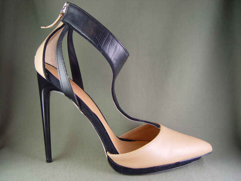 Very Sexy Pointy Toe Beige and Black T-Strap Rear Zip Heels Size 10