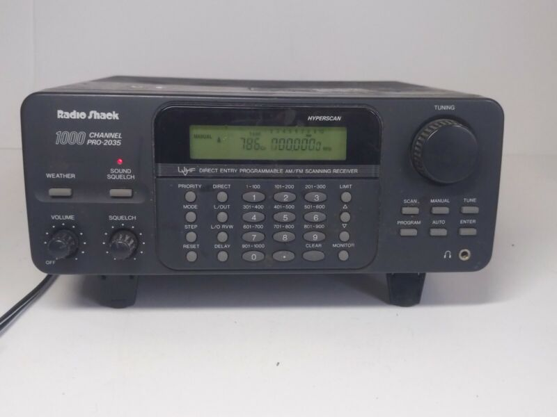 Radio Shack PRO-2035 1000 Channel Programmable Radio Scanner Receiver