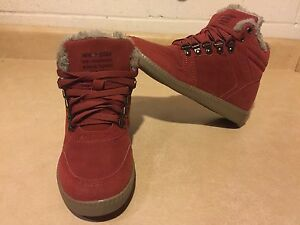 Kids New Star Shoes Size 3
