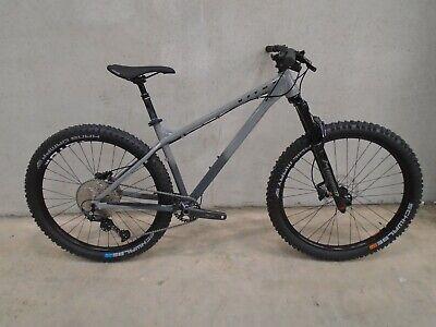 Vitus Sentier 27 VR Mountain Bike (2021) - MEDIUM - GREY