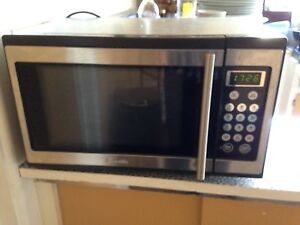 Microwave for sale Aspendale Kingston Area Preview