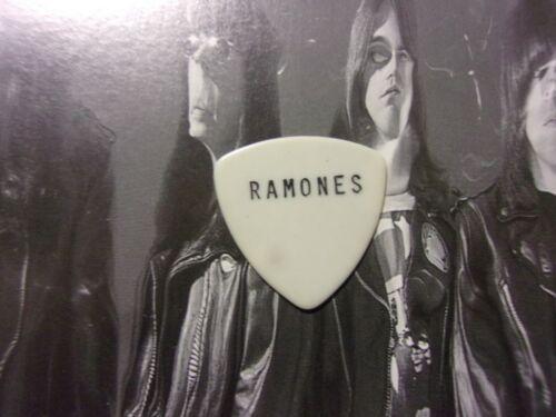 RAMONES Pick