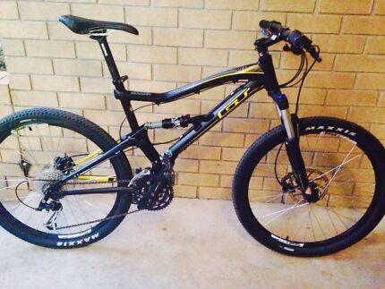 GT Dual-Suspension Mountain Bike Coconut Grove Darwin City Preview
