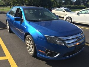 2012 Ford Fusion.. no accident..rear view camera..leather seats
