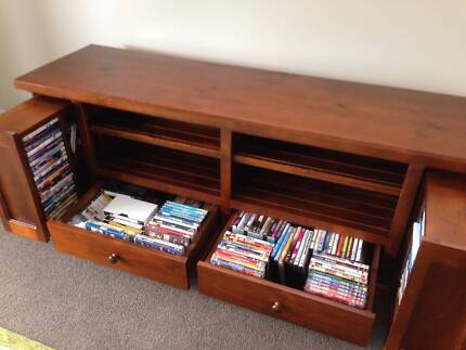 TV and DVD cabinet Pagewood Botany Bay Area Preview