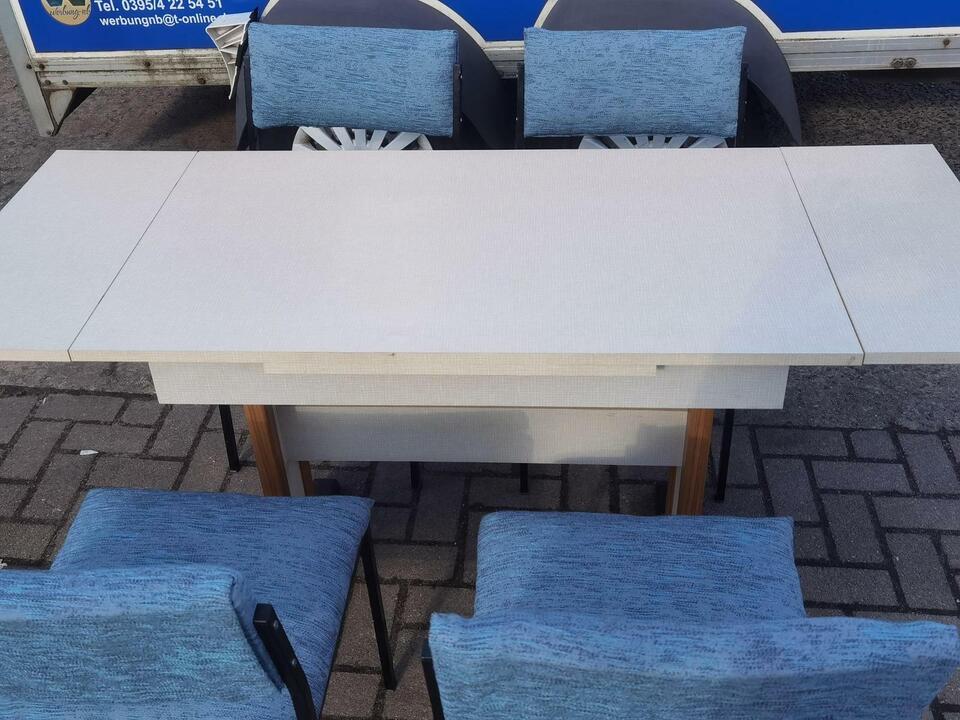 Retro Vintage Stühle Tische highlights gibt es bei Top-Wert in NB in Neubrandenburg