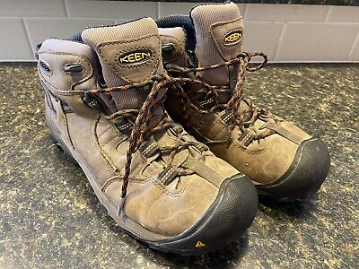 Men's Keen Hiking Boots Size 8.5, Gray & Black  Grey Hiking Boots
