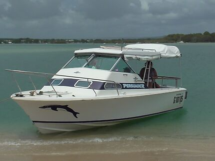 Bertram 20ft Half Cabin cruiser (International Marine Bahia Mar) Eatons Hill Pine Rivers Area Preview
