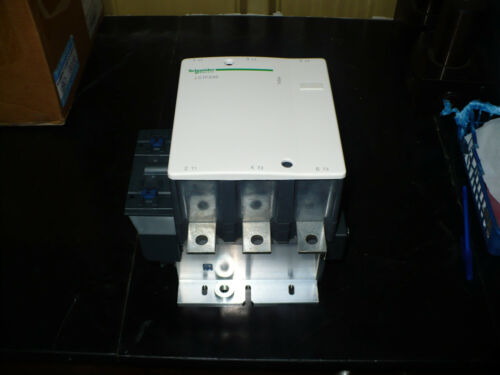 Schneider Telemecanique Contactor, LC1F330, 120VAC Coil, New no box