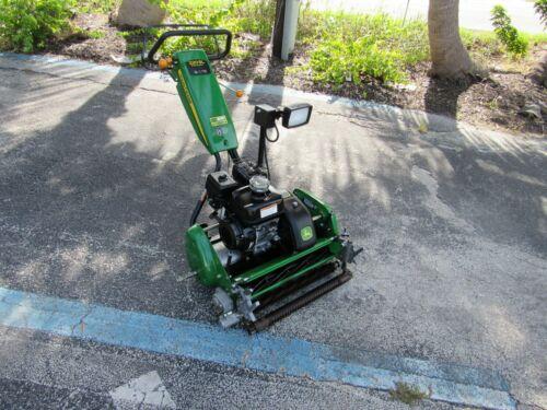 220SL John Deere Golf Greens Professional  Reel Mower Optional Groomer Basket