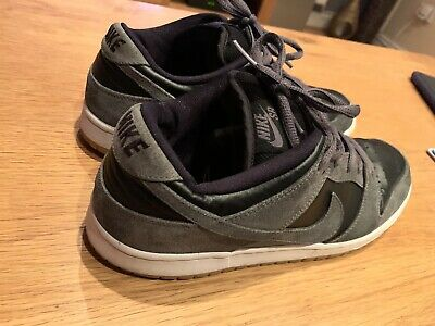 Nike SB Dunk Low Dark Grey Black Gum Size UK 9